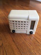 Vintage Art Deco Rare 1947 Emerson Midget Tube Radio 540-A Ivory White NICE