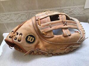 """Wilson A9884 13.75"""" Baseball Softball First Base Mitt Right Hand Throw"""