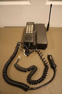 Mitsubishi DiamondTel FM-4036F03 Cellular Mobile Telephone UNTESTED With CHARGER