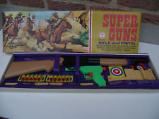 Vintage plastic child toy - Rifle and pistol -Fusil et pistolet pour enfant -