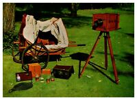 Postcard -  PHOTOGRAPHERS OUTFIT CIRCA 1855        (Ref E14)