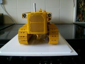 First Gear caterpillar, D9E. tractor, with no 29 cable control, and cat 491 box.