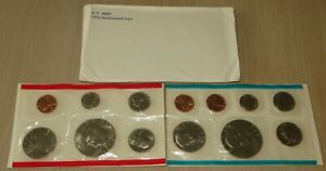 1974 US Uncirculated Mint Set (U6-3) With 2 Eisenhower Dollars, 2 Kennedy half's