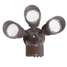 Maxxima 3 Head Outdoor LED Security Light, 2700 Lumens Motion Sensor 5000K Brown