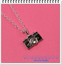 FUNKY SILVER CAMERA NECKLACE SELFIE PHOTO MODEL CUTE RETRO VINTAGE HOLIDAY GIFT