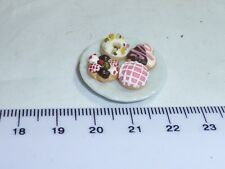 1:12 Scale 4 Cakes on a Plate 5  Doll House Miniatures