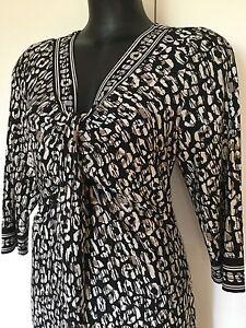 Size 16 Smart Flattering Black Geometric Dress