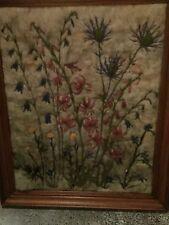 Broderie sur laine de mouton motif chardon et fleurs des montagnes