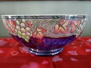 """MALING  Large 8.5"""" Lustre Hand Painted Ceramic Centerpiece Bowl"""