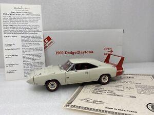 1/24 Danbury Mint 1969 Dodge Charger Daytona Cream Red WOW  RARE