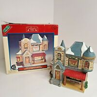 Lemax Caddington Village 1999 Porcelain Lighted House Sowerberry Shoes #95356 w/