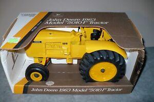 1/16 1963 JOHN DEERE 5010 I Toy Industrial Construction Tractor Ertl NIB Scarce