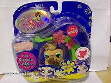 Littlest Pet Shop Vampire Bat Hanging Fuzzy #820 Special Edition Pet Rare NIB