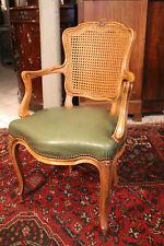 Fauteuil de bureau hêtre blond sculpté assise cuir vert Louis 15 signé Soubrier