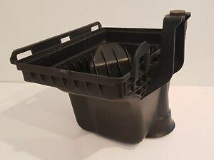 05-10 Chrysler 300 Air Intake Box Lower Bottom 04591867