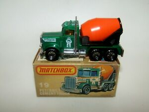 Matchbox Superfast No 19 Peterbilt Cement Truck White Man Tampo MIB RARE