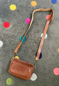 Small Brown Vintage COACH Leather Crossbody / Shoulder Bag