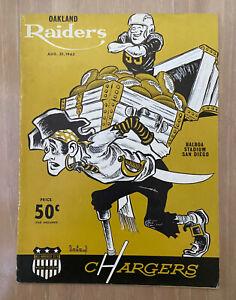 VINTAGE 1963 AFL OAKLAND RAIDERS @ SAN DIEGO CHARGERS FOOTBALL PROGRAM - AUG 31