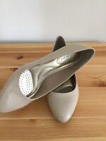 Dexflex Women's Shoes Size 6.5 Comfort Nude Patent Wedges Heels Shoes Tan