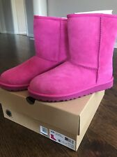 Ugg Australia Pink Seude Girls Boots Classic Short 5251 Youth size 5