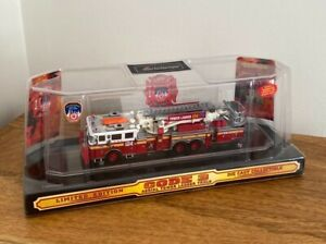 Code 3 - FDNY Seagrave Ladder 124 Fire Engine