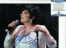 LIZA MINNELLI signed (CABARET) Movie Singer Star 8X10 photo BECKETT BAS T99702