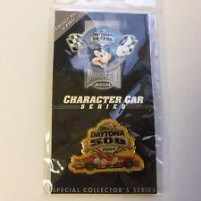 2004 Disney & Daytona 500 Donald Duck Car Event Pin Disney Pin 27846