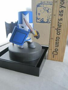 Castle Crashers - Blue Knight Figurine - The Behemoth 2007 EDITION Display Case