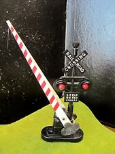 LIONEL VINTAGE PLASTIC O SCALE MODEL TRAIN RAILROAD CROSSING GATE