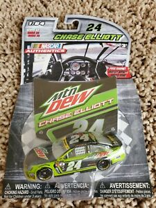 Chase Elliott 2016 NASCAR Authentics 1/64 Diecast - Wave 10 Mountain Dew W/ Hood