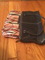 NORDSTROM NAVY WOMENS Genuine Leather Purse 8 1/2 inches closure with zipper