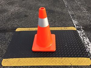 """18"""" Safety Traffic Cone  Orange with Reflective Stripe  5pack"""