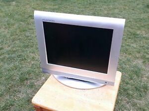 "LG Flatron 15"" Flatscreen LCD Television Silver RZ-15LA31 TV Monitor Vintage"