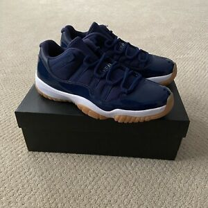 Nike Air Jordan 11 XI Retro Low Midnight Navy Gum Size 10 528895-405