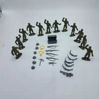 Lot of 12 Vintage MPC US Army Ring Hand Soldiers With 22 Combat Accessories