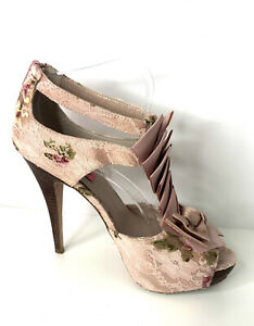 Betsey Johnson Womens Blush Lace Bow Heels - Size AU9