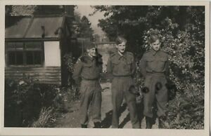 WW2 soldier group Worcestershire Home Guard relaxing in garden