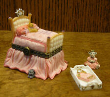 Boyds Treasure Box 392164 THE ROYAL BED w/ PIPSQUEAK McNIBBLE From Retail Store