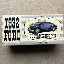 AMT 1932 Ford Roadster Customizing Plastic  Model Kit