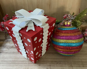 Christmas Wood Present Box Tabletop Decor White Metal Bow Rainbow Ball Ornament
