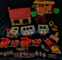 VTG Hasbro Romper Room Weeble TREE HOUSE Accessories RANCH Cowboy Indian Train!!