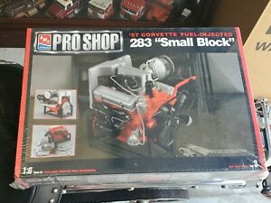 1/6 AMT Pro Shop '57 Corvette Fuel Injection 283 Small Block F/S