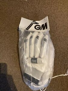 Gunn & Moore Youths Left Handed Cricket Gloves