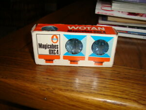 WOTAN OXC4 CAMERA FLASHCUBES 3 OFF OLD BUT NEVER USED STILL IN THERE PACKAGING