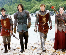 Ben Barnes and William Moseley UNSIGNED photo - E1316 - The Chronicles of Narnia