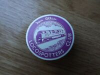 Ian Allan LocoSpotters Club plastic lin badge, purple
