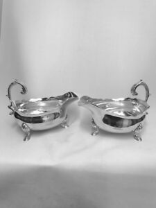 A PAIR OF GEORGE IV SILVER SAUCE BOATS - LONDON - 1824 by WILLIAM STROUD