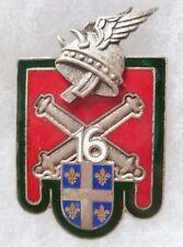 Insigne 16° RA émail 1953 Régiment d'Artillerie Casque Gaulois DRAGO ROMAINVILLE