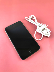 Apple iPod Touch Model A1367 4th Generation 32GB MP3 Player Silver #U8564