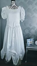 1980s White Wedding Dress with lace petticoat Size 14 - Excellent used condition